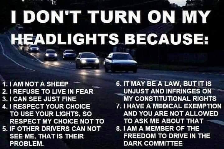 Refus d'allumer ses phares de voiture et refus du vaccin anti-covid-19