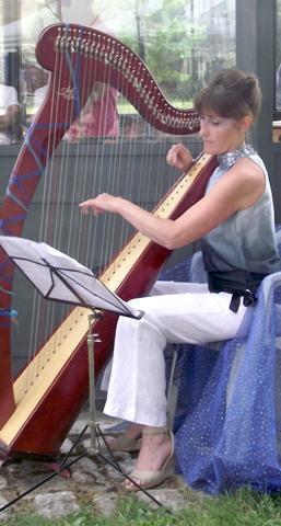 Agathe Hoffalt, harpiste et professeure de harpe